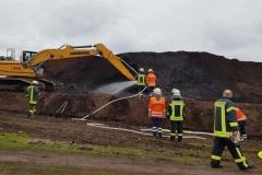 Vier Feuerwehren löschen Torfbrand